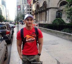 白嫩秀氣的越南小伙來華撈金,身為模特的他經歷的不為人知潛規則