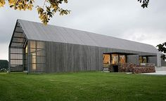 The Barn House, grey timber 1 level contemporary barn style house Barn House Design, Modern Barn House, Barn House Plans, Modern House Design, Barn Plans, Architecture Durable, Residential Architecture, House Architecture, Architecture Wallpaper
