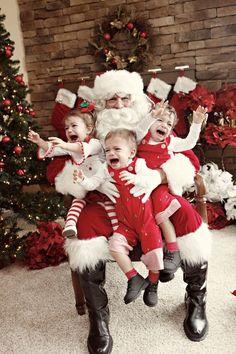 Mall Santa Photo Fails (18 Photos) #Santa #Funny #Fail
