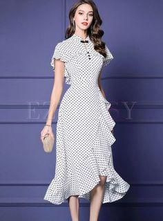 Shop Retro Mandarin Collar Polka Dot Dress at EZPOPSY. Elegant Dresses, Pretty Dresses, Looks Chic, Retro Outfits, Retro Dress, Mandarin Collar, Collar Dress, Dot Dress, Ladies Dress Design