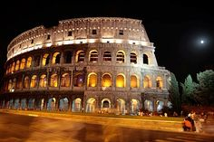 Rome Photos at Frommer's - The Colosseum's dramatic exterior features Doric, Ionic, and Corinthian columns.