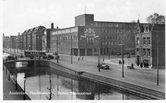 Het Hoofdbureau van Politie aan de Marnixstraat in 1946