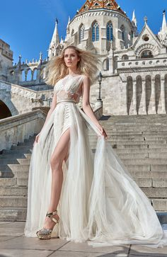 See+Galia+Lahav+Haute+Couture's+spectacular+new+2016+Ivory+Tower+Wedding+Dress+Collection+