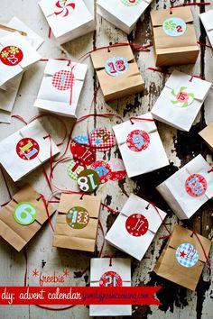 Muchos calendarios de adviento preciosos para que la cuenta atrás hacia la Navidad sea muy divertida.