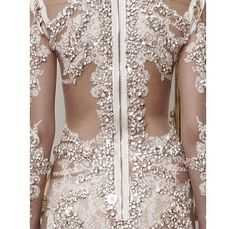 Beautiful details on this dress! AMAZE!