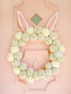 Sell Diy, Crafts To Sell, Diy Crafts, Wood Crafts, Pom Pom Wreath, Diy Wreath, Door Wreaths, Wreath Ideas, Easter Crafts For Adults