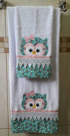 Patchwork Cozinha Jogo Americano Ideas For 2020 Patchwork Kitchen, Patchwork Tiles, Baby Patchwork Quilt, Patchwork Cushion, Crazy Patchwork, Patchwork Patterns, Baby Quilts, Embroidery Applique, Machine Embroidery Designs