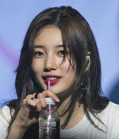 Bae Suzy, Korean Actresses, Korean Actors, Side Bangs Hairstyles, Asian Eyes, Idole, Seolhyun, Korean Celebrities, Beautiful Asian Women