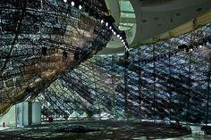 """José Manuel Ballester: """"La Abstracción en la Realidad"""". Fotógrafo madrileño, Premio de Fotografía de la Comunidad de Madrid en su edición 2008. Opera House, Building, Travel, Exhibitions, Architects, Pictures, Art, Viajes, Buildings"""