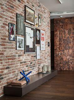 Mezcla de materiales y diseño - pared de ladrillo