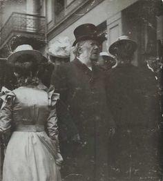 allesandersen: Vilhelm Scheel: Henrik Ibsen, 1904, Karl Johans gate, Oslo. Oslo Museum, OB.F03797b. via Future Games, Oslo, Vintage Photos, Museum, Dinner, Museums, Vintage Photography
