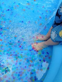 Swimming with water beads
