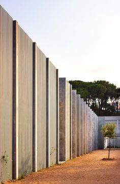 Project for a new primary and high school in Lloret de Mar to accommodate 690 students from 3 to 16 years old. The different needs in terms of space and. Landscape Architecture, Architecture Design, Light And Shadow, Indoor Outdoor, Facade, Terrace, Lanterns, Exterior, School