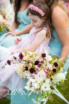 Flowers by the Blue Carrot. Beautiful unstructured wedding bouquet. Blush wedding flowers. Rebecca Roundhill Photography.