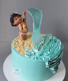 Amazing Uniq Birthday Cake by Secrets To A Perfect Cake Crazy Cakes, Cartoon Birthday Cake, Birthday Cake Disney, Beach Cake Birthday, Birthday Gifts, Moana Birthday Party, Beach Cakes, Ocean Cakes, Disney Cakes