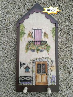 Home Wall Painting, Tole Painting, Wooden Crafts, Diy And Crafts, Plywood House, House Plaques, Painted Houses, Wooden Houses, Cottage Art