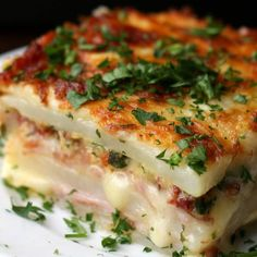Layered Ham & Cheese Potato Bake inspired by Bien Tasty  FULL RECIPE: http://bzfd.it/2dVFHjO