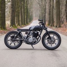 Sweet sweet #SR500 #tracker by @pancake_customs features this week on @classiclifecycles.