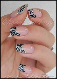 Wavy french manicure in grey with black floral nail art and silver rhinestones ♥ Get Nails, Prom Nails, Fancy Nails, Love Nails, Trendy Nails, Hair And Nails, Nail Art French, Gel Nails French, Nail Art Designs