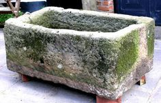 Large Stone trough with mossy accents. Easy DIY Hypertufa Projects The Garden Glove Concrete Crafts, Concrete Art, Concrete Garden, Concrete Projects, Outdoor Projects, Garden Crafts, Garden Projects, Garden Art, Easy Garden