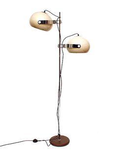 Botterweg Auctions Amsterdam > Staande lamp met twee in hoogte verstelbare kunststof bolkappen, uitvoering Dijkstra Lampen / Rotterdam ca.1970
