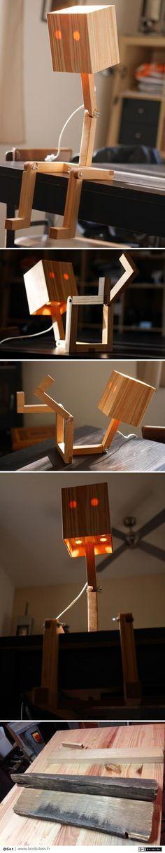 Lampe articulée Bonhomme par Got - Je voulais faire une lampe pour offrir à Noël. J'étais initialement parti sur une lampe type lampe d'architecte mais en fouinant sur le net je suis tombé sur une lampe qui représentait un bonhomme (https://fr.pinterest.com/pin/439030663659502968/)...