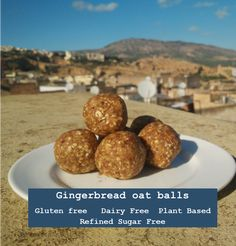 Gingerbread oat balls are the perfect sweet, energy boosting snack or treat that are gluten free, dairy free, refined sugar free and plant based. Free Plants, After Christmas, Gluten Free Recipes, Free Food, Sugar Free, Plant Based, Gingerbread, Dairy Free, Balls