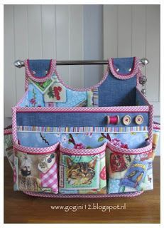 This tote is made by GoGini Totes Sewing Hacks, Sewing Tutorials, Sewing Crafts, Sewing Projects, Sewing Tools, Patchwork Bags, Quilted Bag, Bag Patterns To Sew, Sewing Patterns