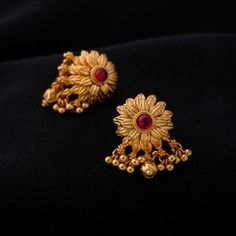 Gold Jewelry For Wedding Key: 1369556975 Gold Jhumka Earrings, Gold Earrings Designs, Gold Jewellery Design, Antique Earrings, Earings Gold, Jhumka Designs, Gold Designs, Handmade Jewellery, Flower Earrings