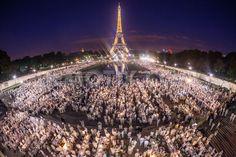 Le Diner en Blanc celebrates 25th anniversary in Paris le 13 juin/13  25ieme anniversaire Le Diner en Blanc