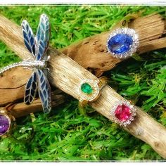 Spring is in the air. Which ring is your favourite? The beautiful hand-made…