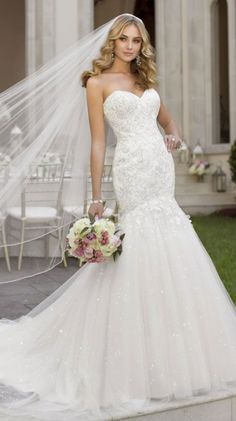 Five elements that can destroy a wedding dress! #weddingdress #weddingdresscleaning #weddingdresspreservation