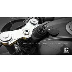 PASSION!!! @cphmotoart @bikeexif @biker_life_ @bmwmotorrad @king_bike @caferacersofinstagram @caferacerdreams @caferacerclub @caferacergram @brembobrake @motogadget @rninet #cphmotoart #tripletree #part #cnc #caferacer #racer #rider #motorcycle #bmwmotorrad #bmw #brembo #motogadget #racing #rninet #key #tanks #passion