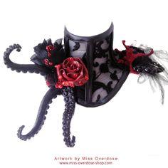 Love it!!   Neck corsets - Halskorsetts - Ophelia Overdose - Model Designer Performer