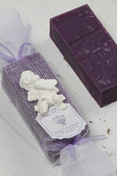 Hand Crafted French Lavender Soap Makes a pefect Gift, Creative design has never smelt so good. Melt away stress with rich, soothing lather.