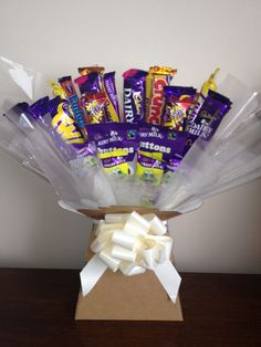 A great idea for Easter gifts. Chocolate Boquet, Chocolate Tree, Cadbury Chocolate, Chocolate Sweets, Chocolate Gifts, Chocolates, Sweet Hampers, Chocolate Hampers, Homemade Business