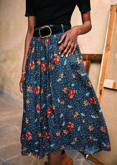"Акценты 2020: детали, которые ""сделают"" образ - VictoriaLunina.com Metallic Skirt, Flower Skirt, Casual Dresses, Summer Dresses, Summer Clothes, Neutral Outfit, Spring Summer Trends, Printed Skirts, Christians"