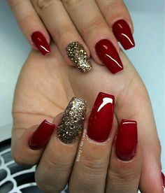 BloomingBoom 24 Pcs 12 Taille Stiletto Pointed False Nail Mat Full Cover Fake Nail Press on Salon Pre Design Women Claw Mountain Peak Mist America Red - Cute Nails Club Xmas Nails, Prom Nails, Christmas Nails, Long Nails, Cute Nails, Pretty Nails, Red And Gold Nails, Gold Acrylic Nails, Acryl Nails