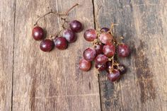 grape fresh on wooden table background