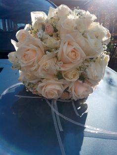Νυφικη Ανθοδεσμη με σωμον τριανταφυλλα