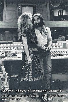 Stevie Nicks and Richard Dashut 🌙 Lindsey Buckingham, Buckingham Nicks, Stevie Nicks Now, Stevie Nicks Fleetwood Mac, Stephanie Lynn, Rock Legends, Her Music, Rock N Roll, My Idol