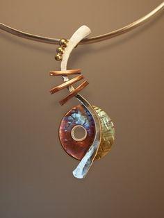 Umírněný ježek (Aragonit) - náhrdelník  d6e5fa87497