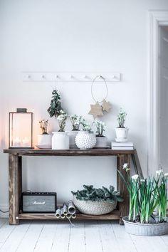 """Working on Christmas feeling. Wood Interior Design, Interior Decorating, Natural Wood Decor, Living Room Decor, Bedroom Decor, Christmas Feeling, Home Decor Inspiration, Scandinavian Design, Decoration"