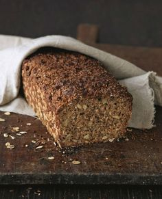 Five-minute bread - Brotzeit - Chicken recipes healthy Best Cookie Recipes, Bread Recipes, Baking Recipes, Healthy Chicken Recipes, Easy Healthy Recipes, Keto Chicken, Fish Recipes, Easy Snacks, Healthy Snacks