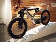 Cycleton One electric bike by Daniel Yorba Velo Design, Bicycle Design, Electric Bicycle, Electric Cars, Electric Vespa, Electric Skateboard, Electric Vehicle, Motorcycle Design, Motorcycle Bike
