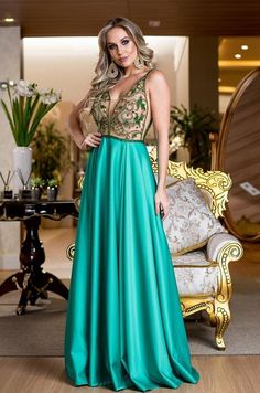 1d5824370dd1 10 vestidos de festa verde para madrinhas e formandas