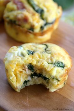 Low-Carb Egg Muffins by eatdrinklove: An easy on-the-go breakfast that's low-carb and with endless possibilities! #Muffins #Egg #Breakfast_to_go #Healthy