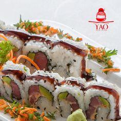 Spicy Tuna Roll: Atún, Pepino, Aguacate, Algas, Arroz, Ajonjolí acompañado de nuestra riquisima Salsa Anguila. #RollsLover #VenParaYAO