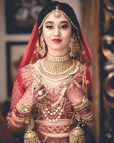 Best Bridal Makeup Inspirations to bring out Diva in You - Fashion Indian Bridal Outfits, Indian Bridal Fashion, Indian Bridal Wear, Pakistani Bridal, Indian Wedding Pictures, Indian Wedding Bride, Desi Wedding, Indian Weddings, Best Bridal Makeup