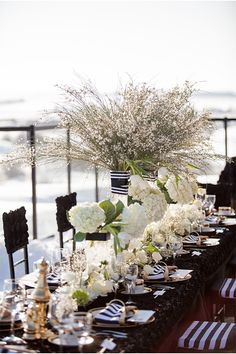 winter glam wedding: black&white stripes